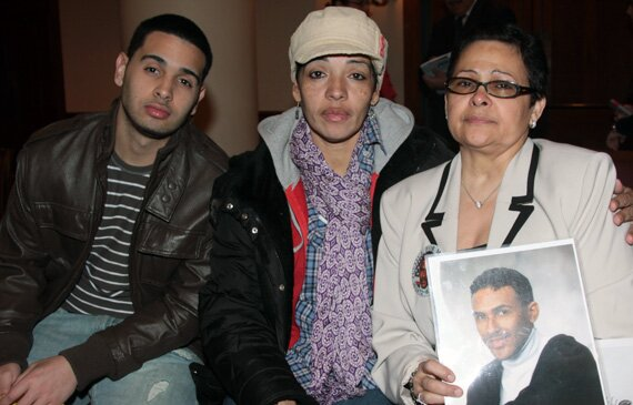 From l to r: Ryan Nunez, victim of police brutality in Nov. 2007; his mother Rebecca Nunez; Altagracia Mayi, whose son Manuel Mayi was a victim of racial violence in Queens, NY in 1991.